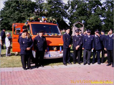 Übernahme des neuen Feuerwehrfahrzeuges 2005